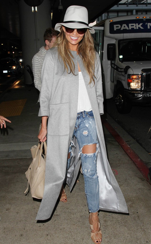 rs_634x1024-150414102714-634-chrissy-teigen-fashion.ls.41415